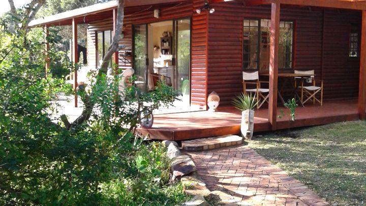 Keurboomstrand Akkommodasie by 11 Milkwood Glen | LekkeSlaap