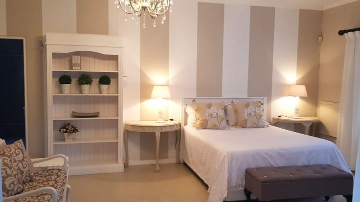 Cradock Accommodation at Mulberry Place | TravelGround