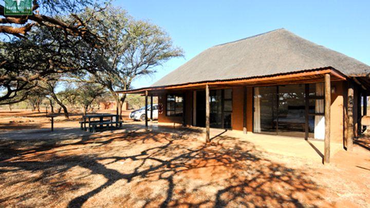 Bo-Karoo Akkommodasie by SANParks Haak-en-Steek Rest Camp | LekkeSlaap